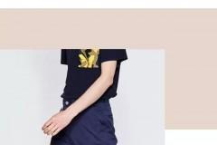 西裤显正式,牛仔裤太随意,穿运动裤占少数,看来就只有 Chino Pants 凭借其结实耐磨的材质和简约百搭的设计成为上至明星,下至IT男