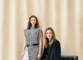线条清晰的利落剪裁,清新动感的条纹印花,浪漫而个性十足的时髦配饰,纪梵希2018春夏系列如同艺术总监Clare Waight Keller