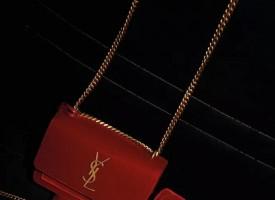 母亲节献礼SAINT LAURENT 独家限定丝绒手袋系列全中国店铺均有售。