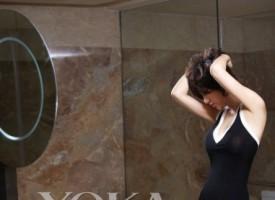 阿朵又玩性感 演绎短发浴室写真